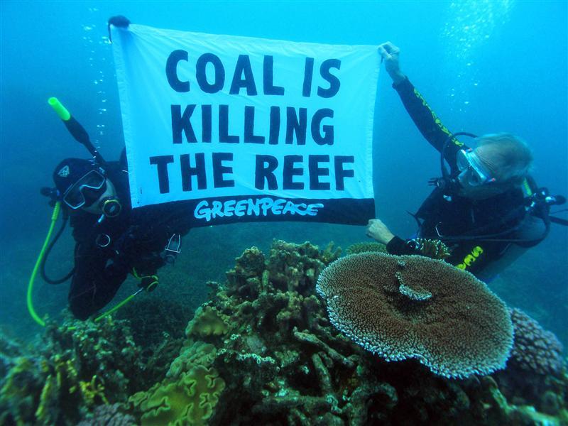 greenpeacecontrocarbone.jpg