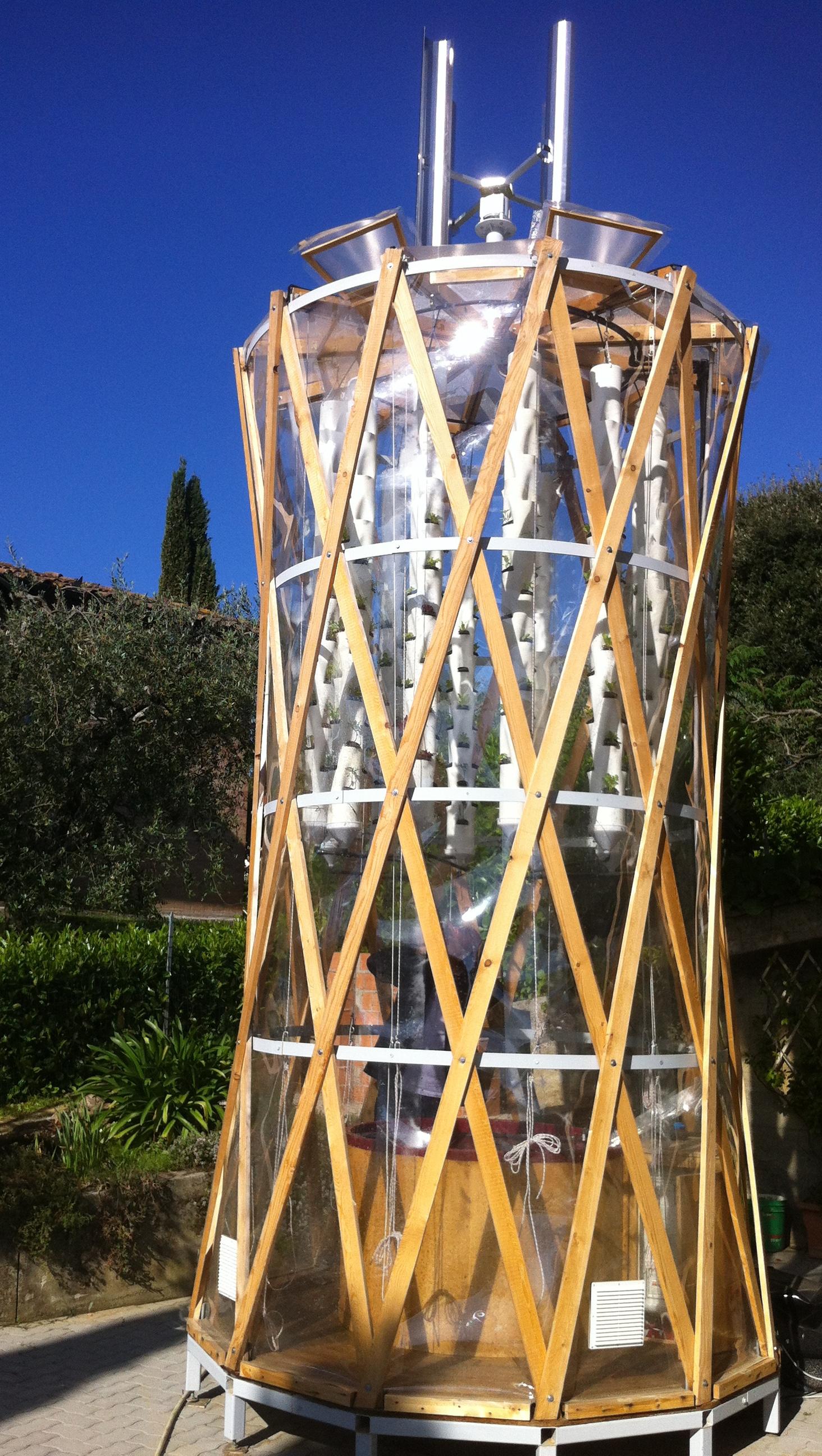 verticalfarmacquaponica.jpg