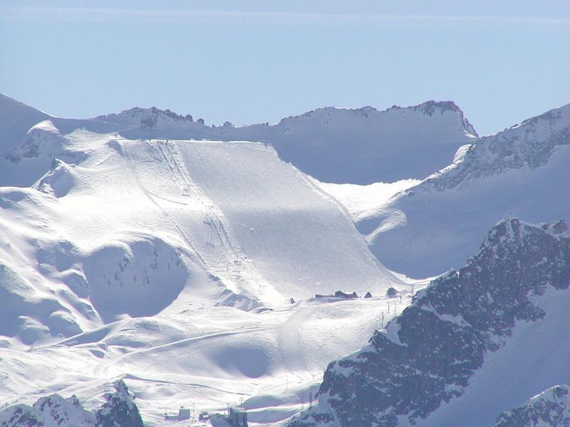 ghiacciaiopresenaadamello.jpg