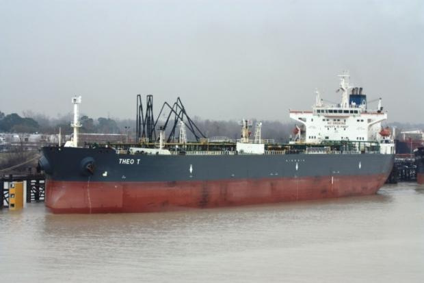 4cadc5b7d41451674991-2973-tanker-theo-t.jpg