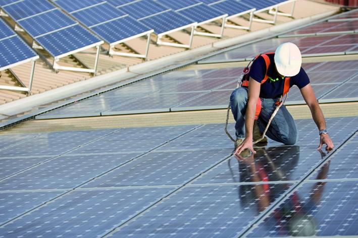 manutenzione-tetto-fotovoltaico.jpg