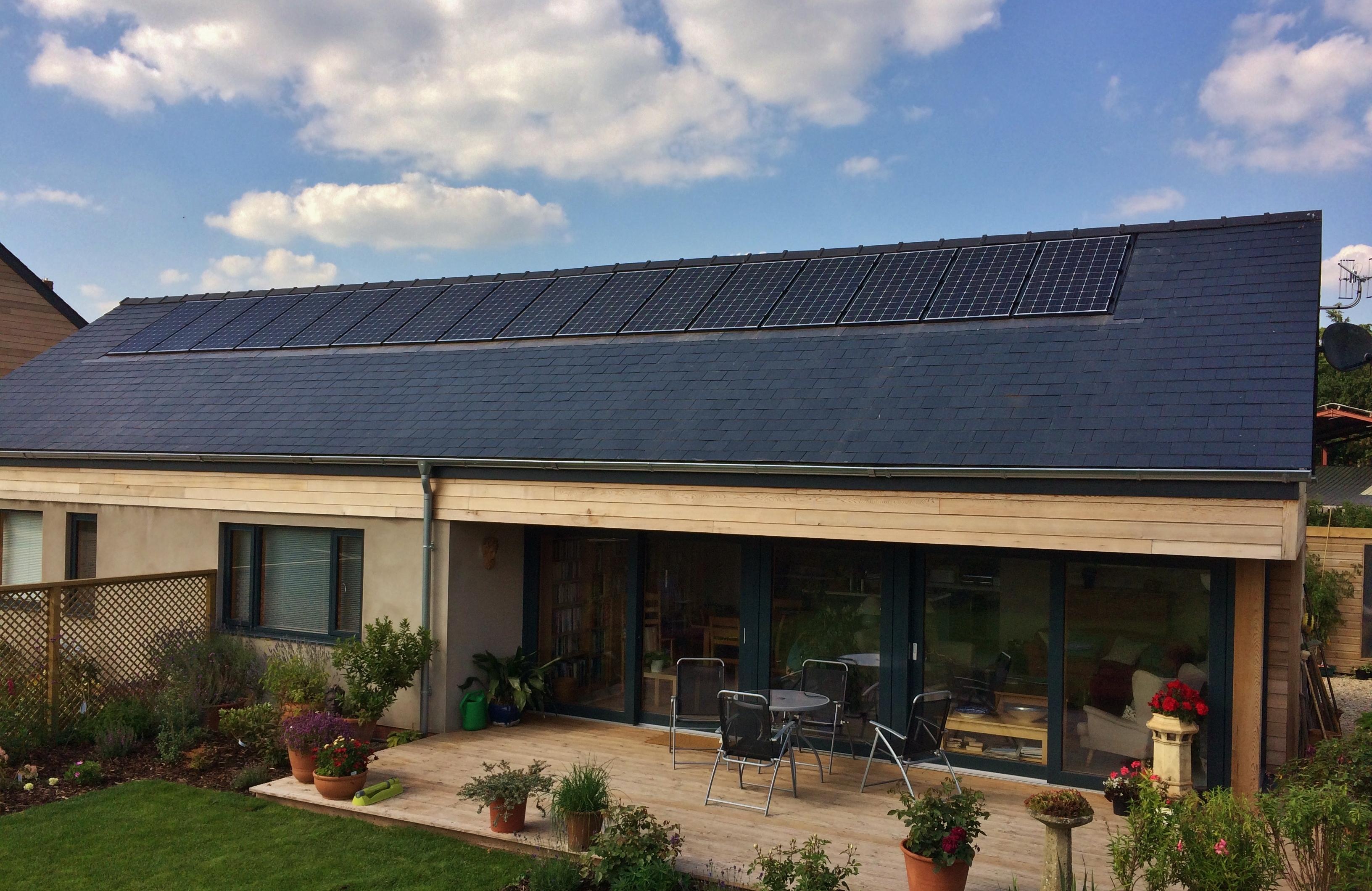 fotovoltaico-tetto-casa.jpg