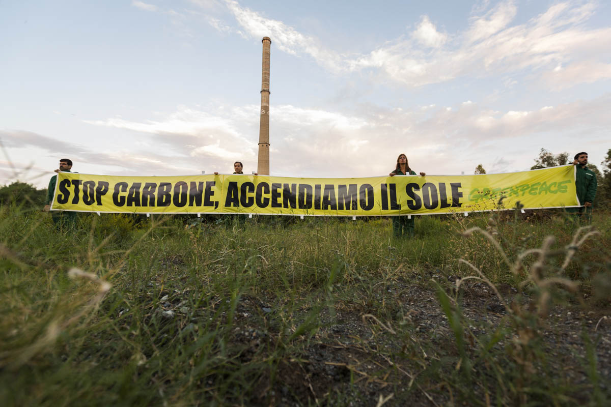greenpeace-protesta-anti-carbone.jpg