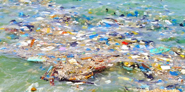 rifiuti-plastica-galleggianti.jpg