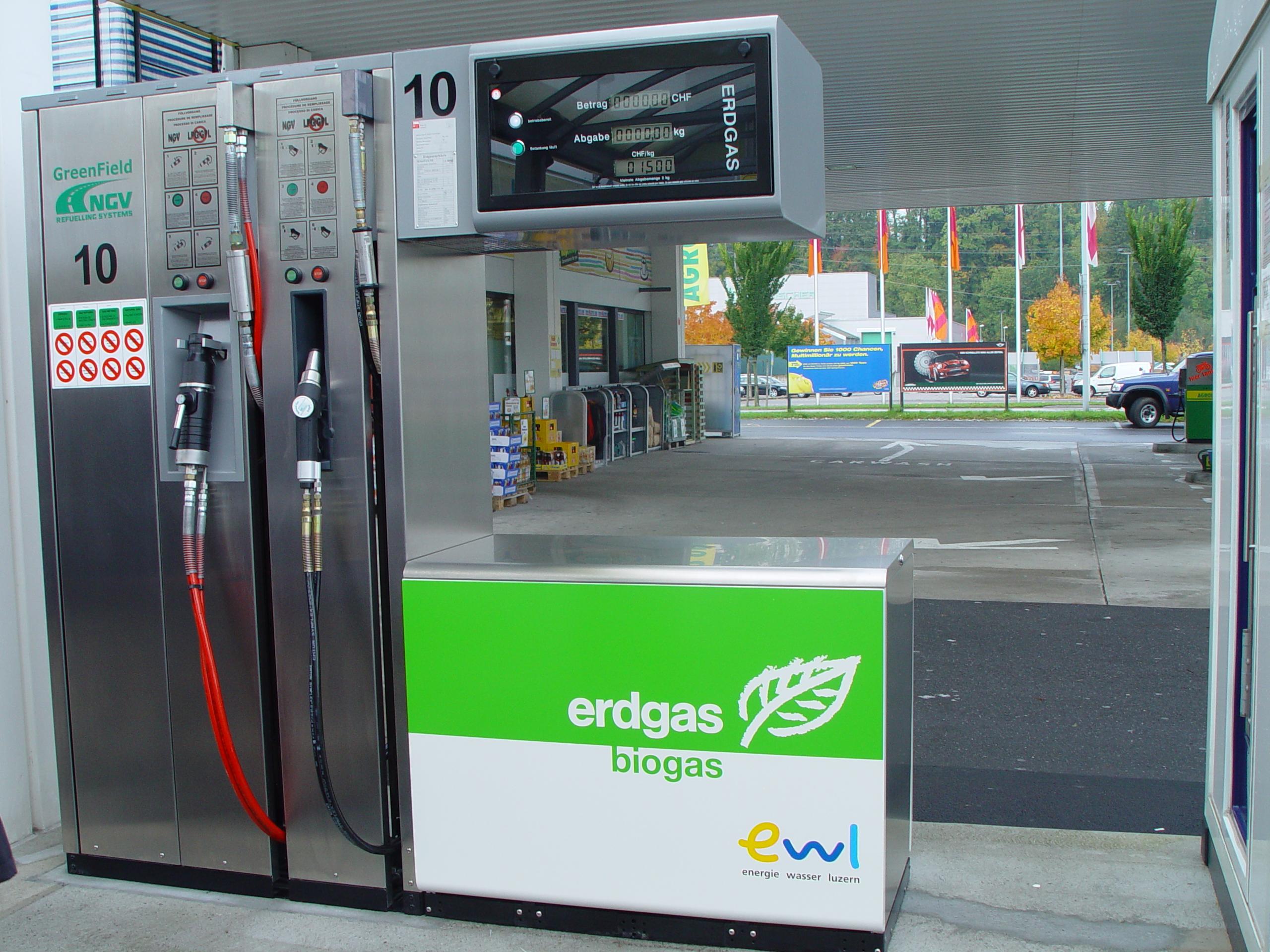distributore-biometano-svizzera.jpg