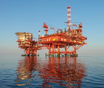 piattaforma-petrolio-mare.jpg