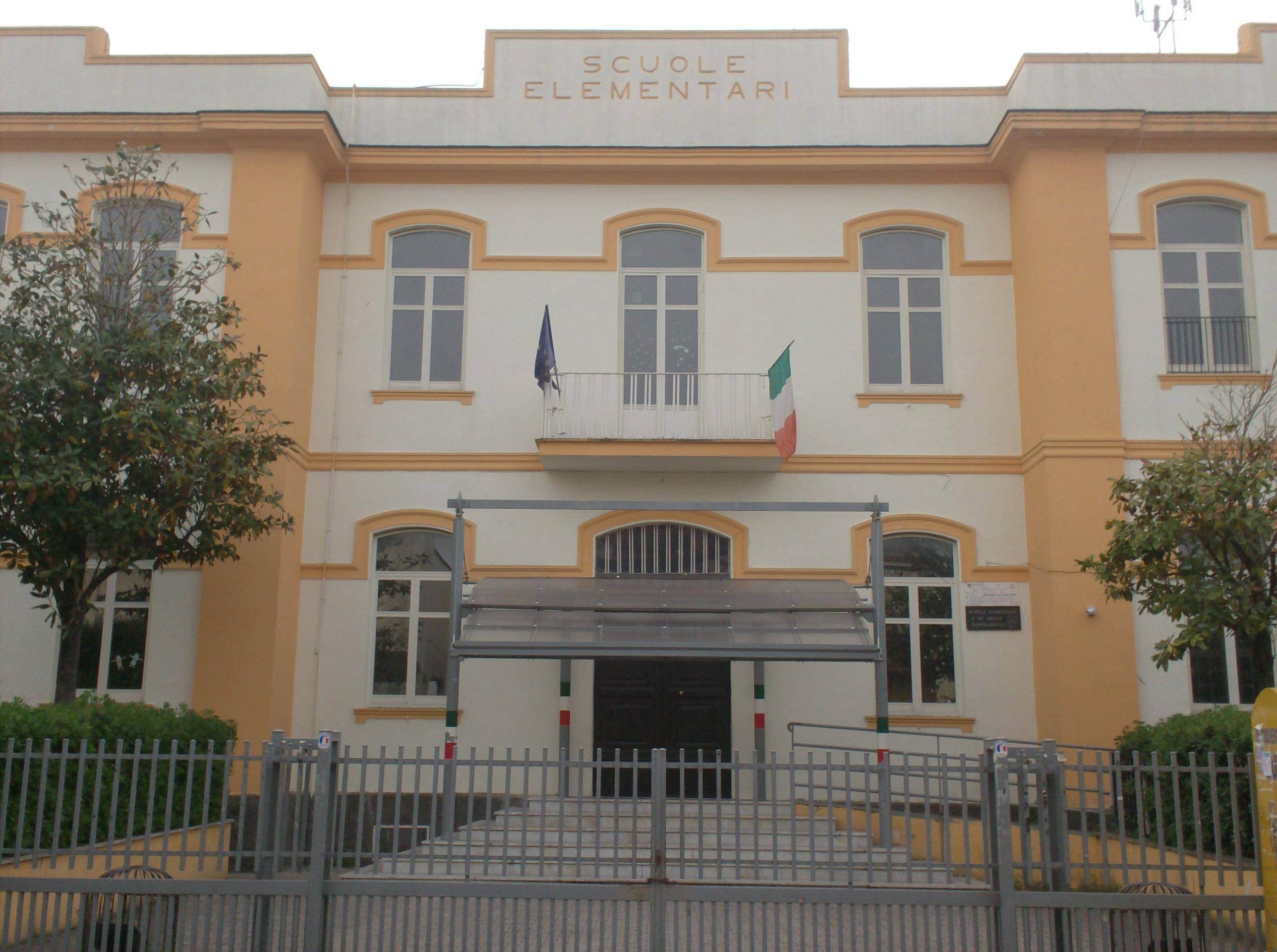 scuola-elementare-mariglianella-na.jpg