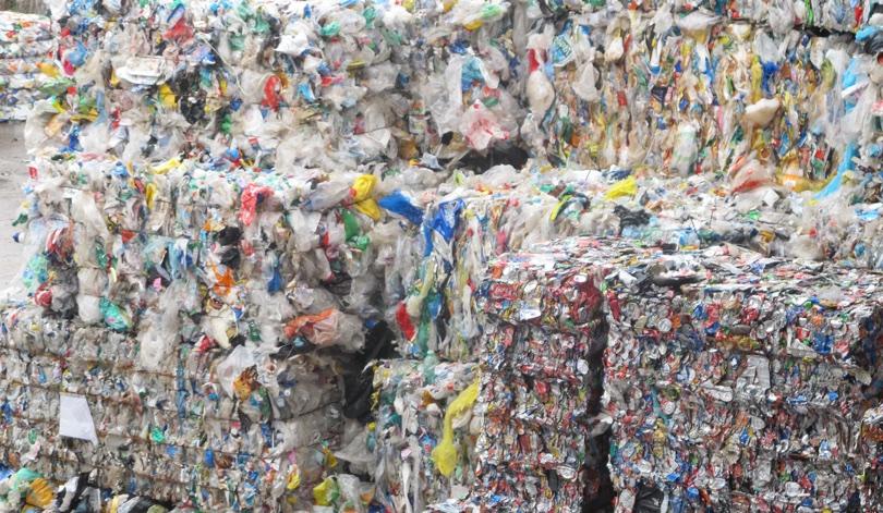 rifiutiplastici.jpg