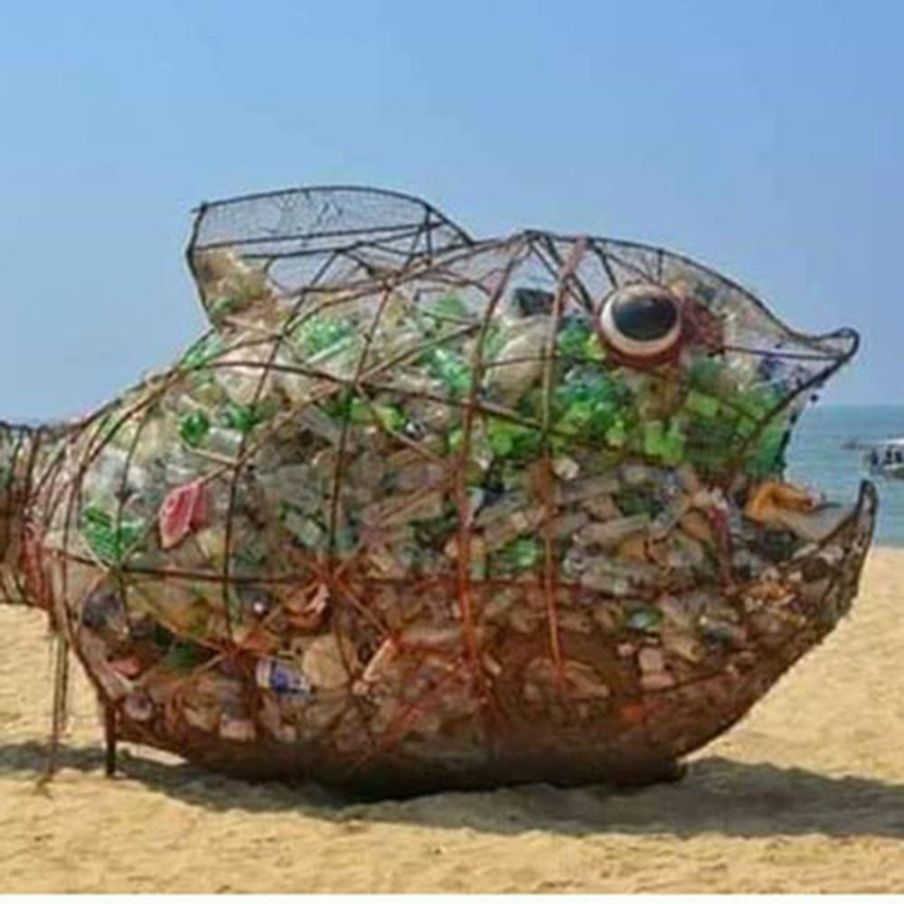 pesci-mangia-plastica.jpg