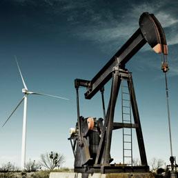 petrolio-eolico.jpg