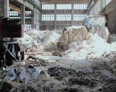 rifiuti-capannoni.jpg