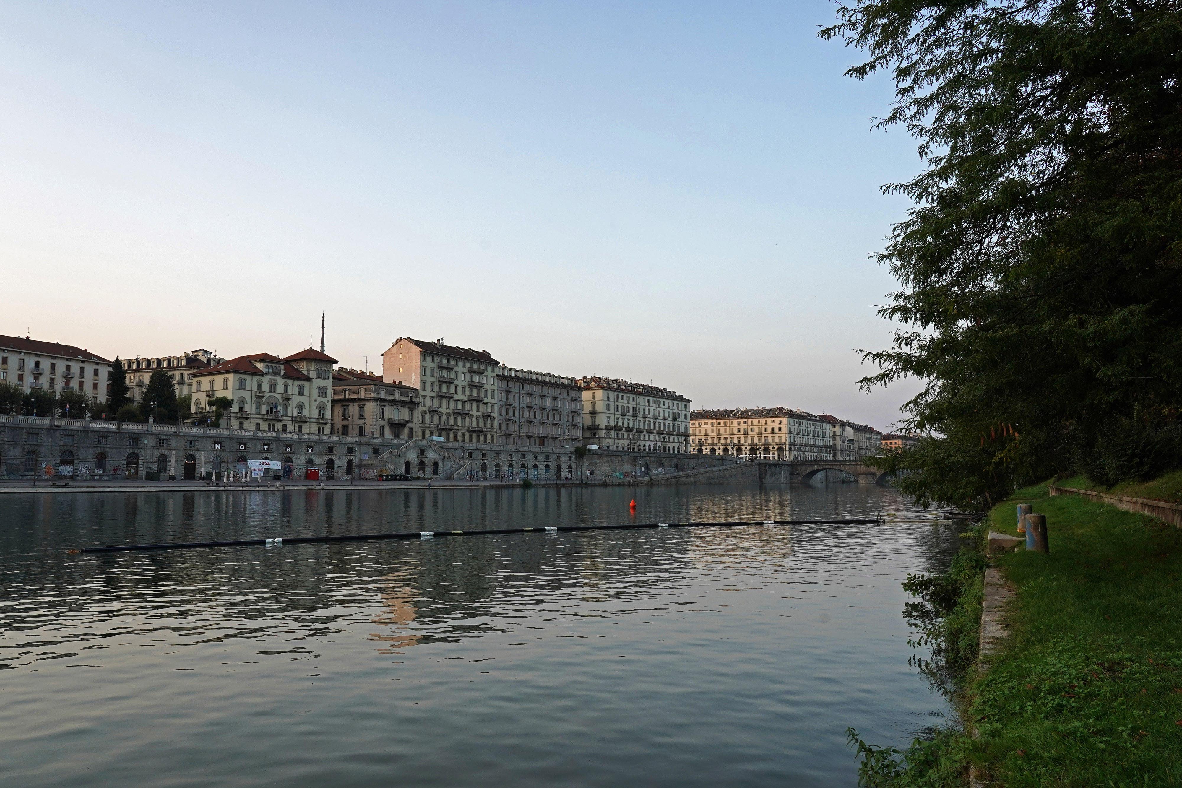 barriere-galleggianti-murazzi-torino.jpg