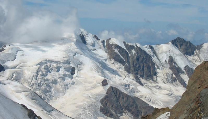 ghiacciaiodeiforni.jpg