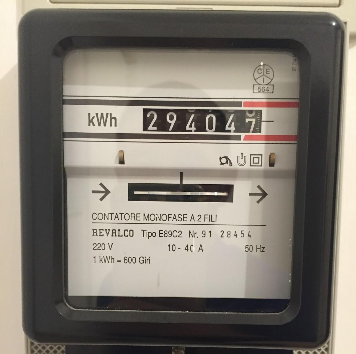 vecchio-misuratore-elettricita.jpg