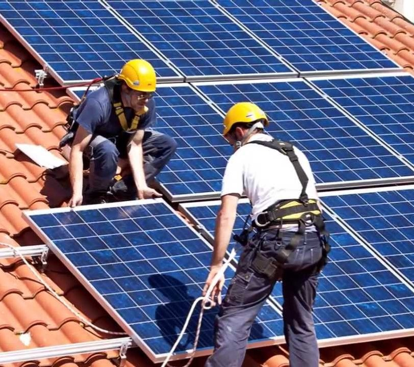installazione-fotovoltaico.jpg