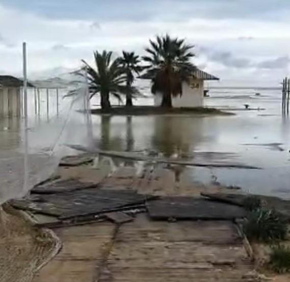 spiaggia-inondata.jpg