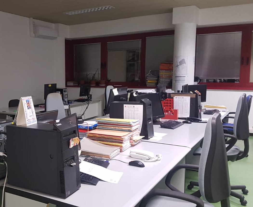 ufficio-deserto.jpeg